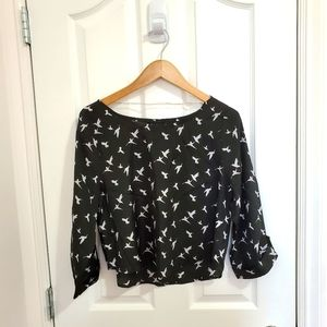 ‼️ 3/$20 Cute Bird Patterned Blouse